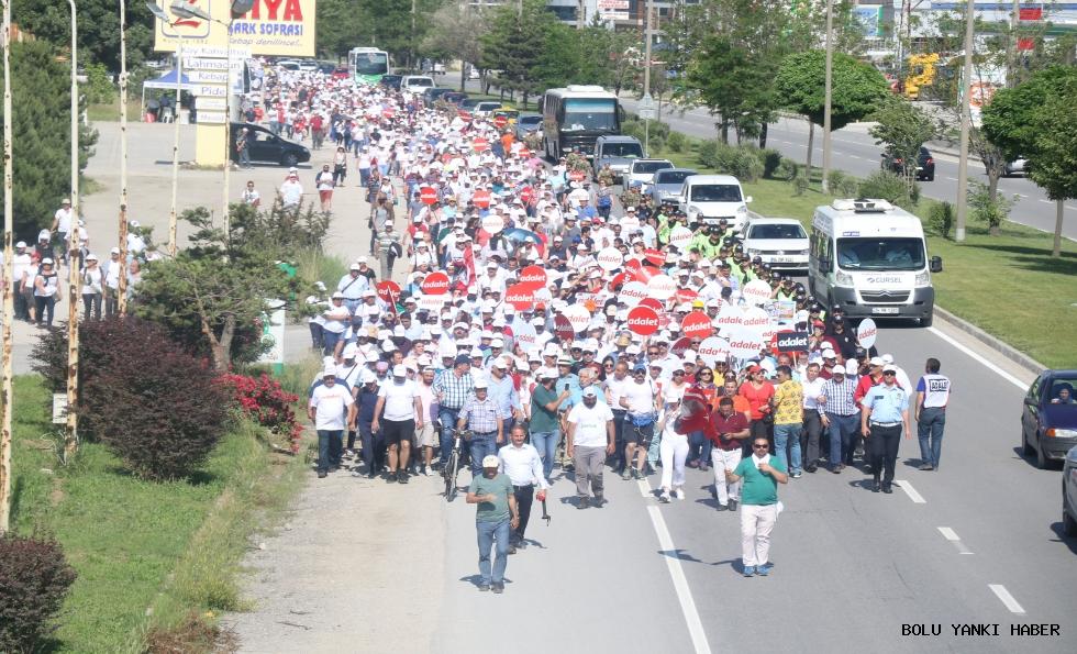 Kılıçdaroğlu bayramın ilk günü 11 kilometre yürüdü