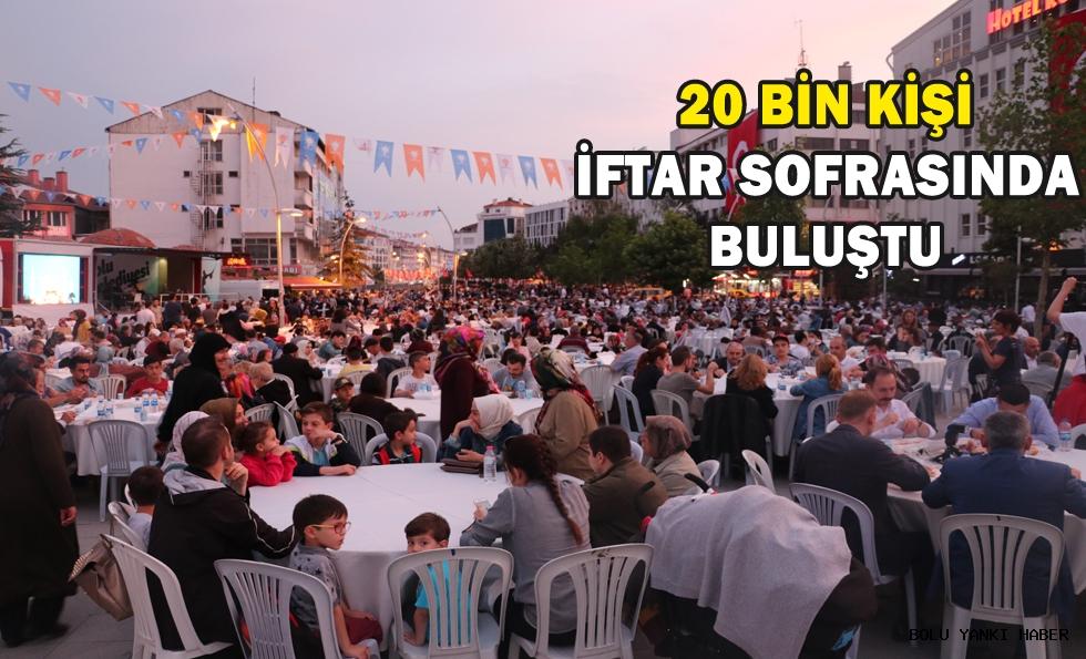20 bin kişi iftar sofrasında buluştu