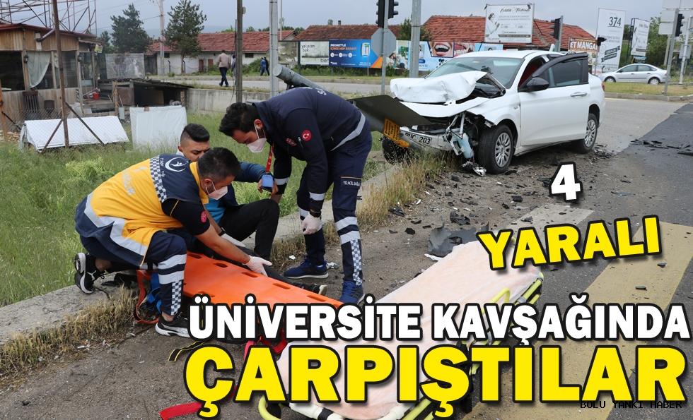 Bolu'da iki otomobil kavşakta çarpıştı: 4 yaralı