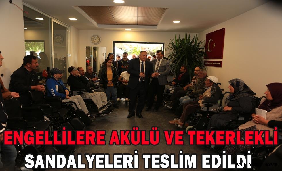Engellilere akülü ve tekerlekli sandalyeleri teslim edildi