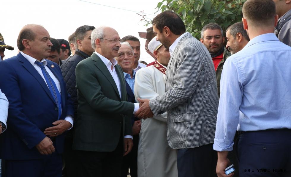 Kılıçdaroğlu Bayram Namazını Bolu'da Kıldı.