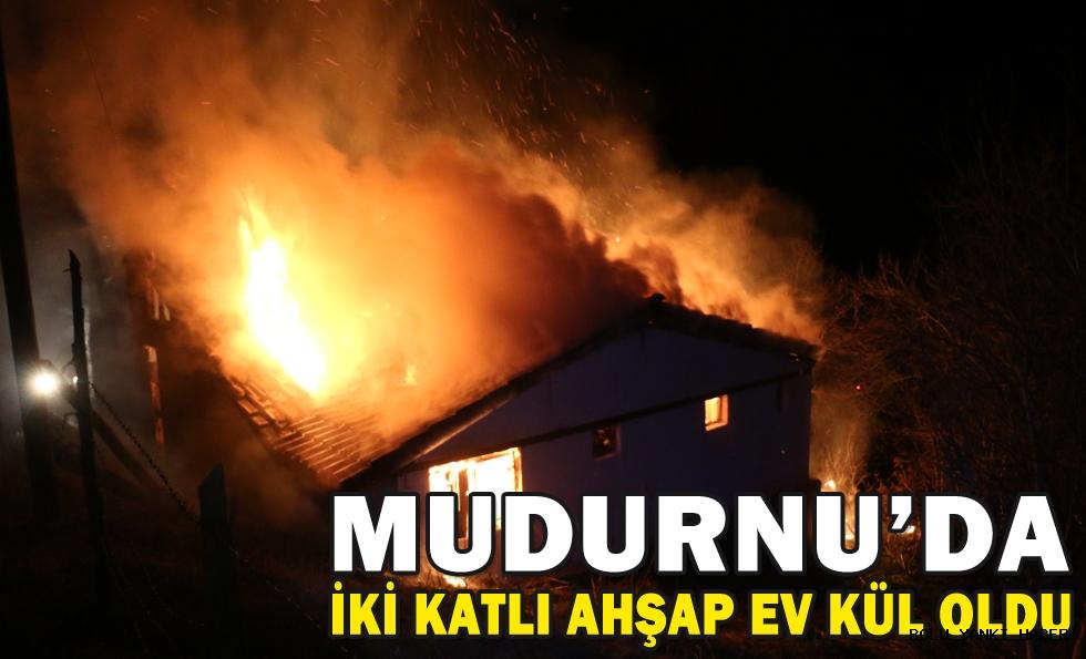 MUDURNU'DA İKİ KATLI AHŞAP EV KÜL OLDU